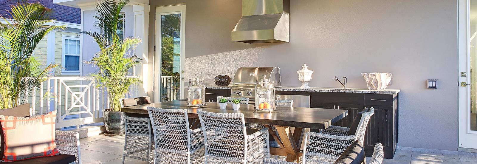 GranadaPark-patio-grill.jpg